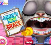 Hra - Judys New Brace