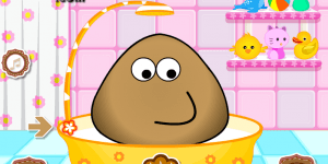 Hra - Pou Takes A Shower
