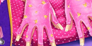 Hra - Superhero Doll Manicure